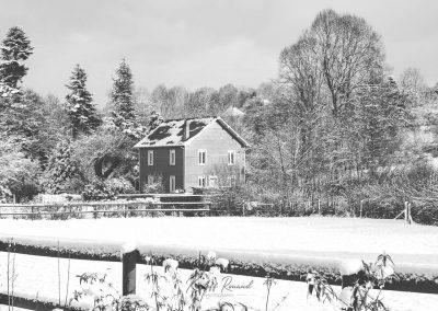 Snow December85